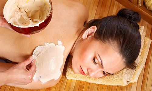 Các cách làm trắng da bằng cám gạo hot nhất hiện nay